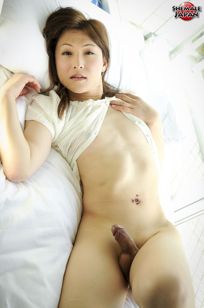 bed video Asian thumbs