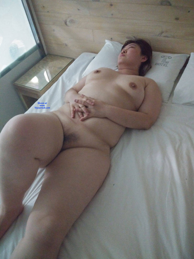 Porn pic American and korean couple fucking