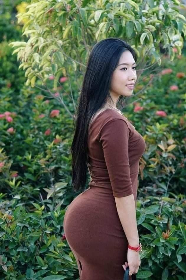 curvy shorts makeout Asian
