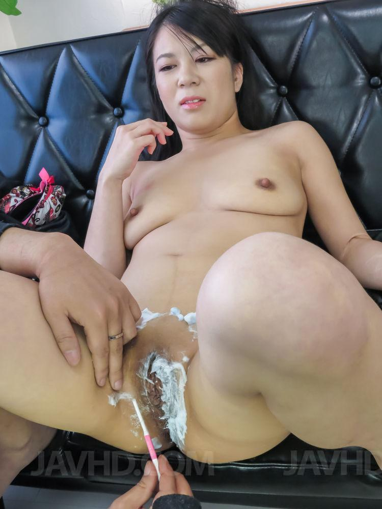 asian shaved woman Otngagged
