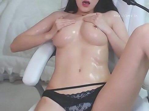 Porn pictures Outdoor chubby asian housewife